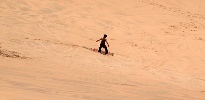 dubai sand boarding